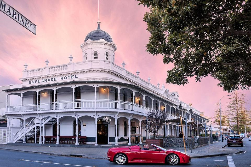 Esplanade_Hotel_Fremantle_–_by_Rydges