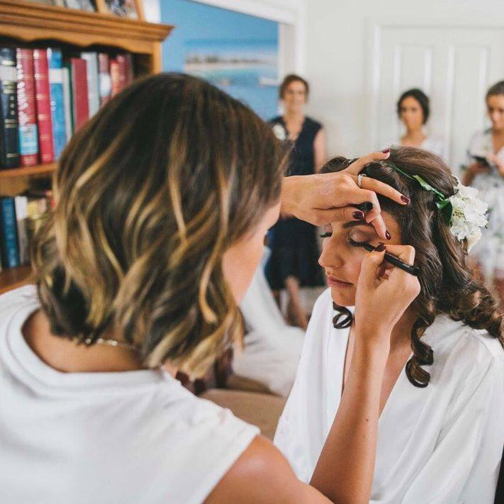 Jessica Pavlovic Makeup Artistry & Hairstyling